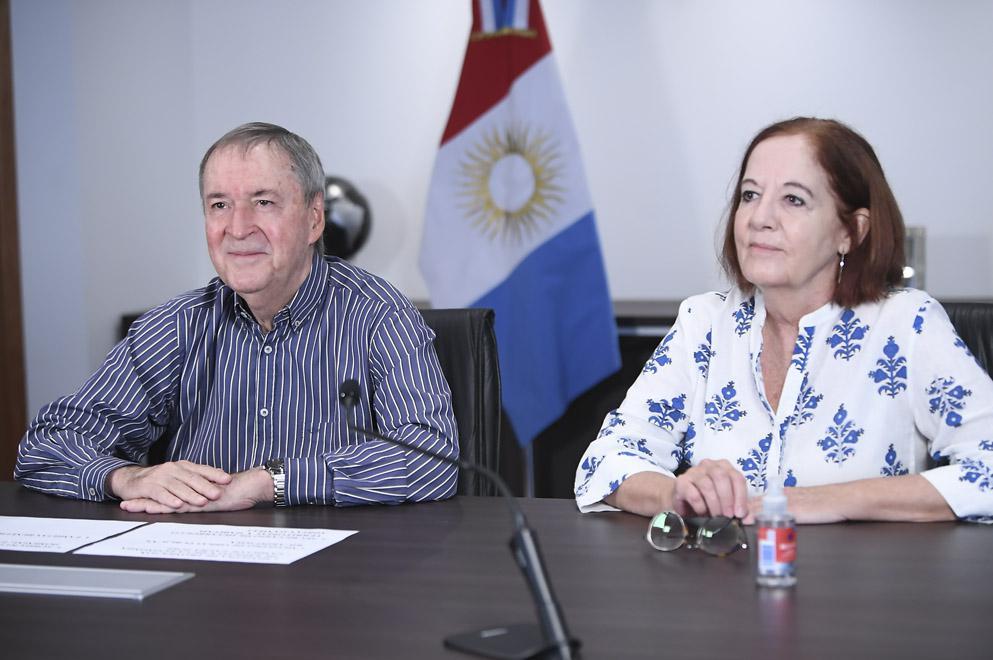 Schiaretti inauguró 17 nuevas viviendas en Capital