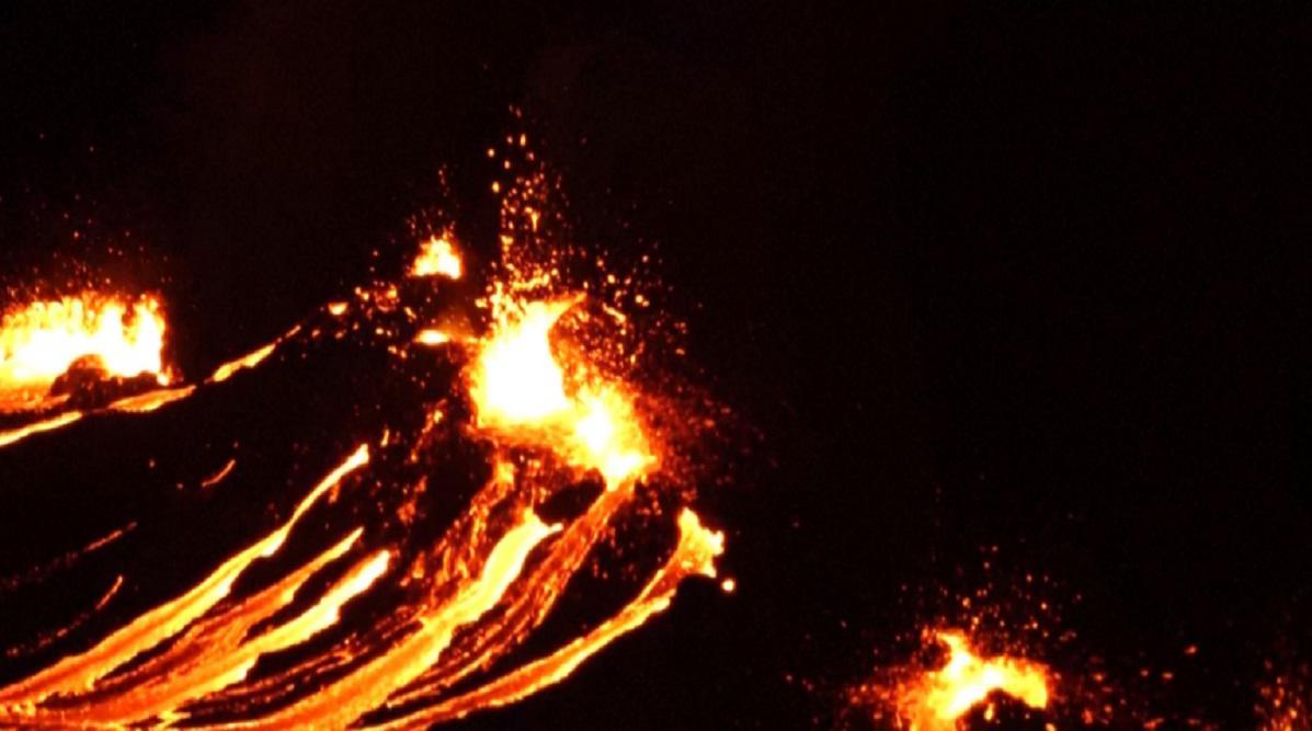 erupción de un volcán islandia